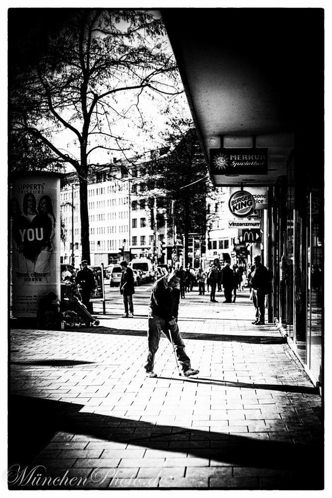 Bilder des Tages : Organisierte Bettelei in München